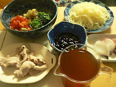 定食 香味冷麺 タコ刺 黒豆 ボイル豚