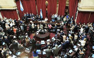 """El miércoles por la noche el Senado de la Nación dio media sanción al proyecto de ley de """"Emergencia Ocupacional"""", que prohíbe los despidos y cesantías en el sector público y privado por 180 días y habilita la doble indemnización."""