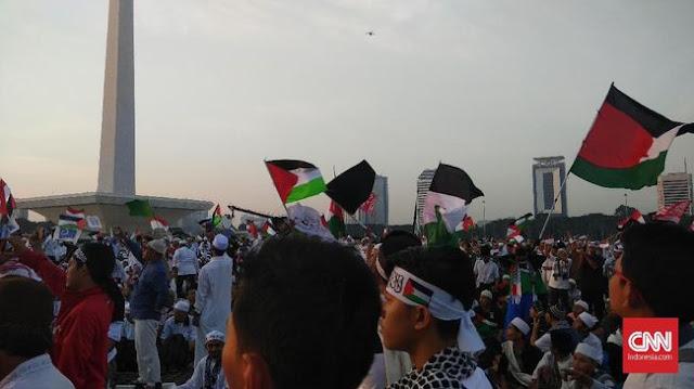 Diklaim Aksi 115 di Monas Hanya Demi Palestina, Eh Waketum FPI Koar-koar #2019GantiPresiden