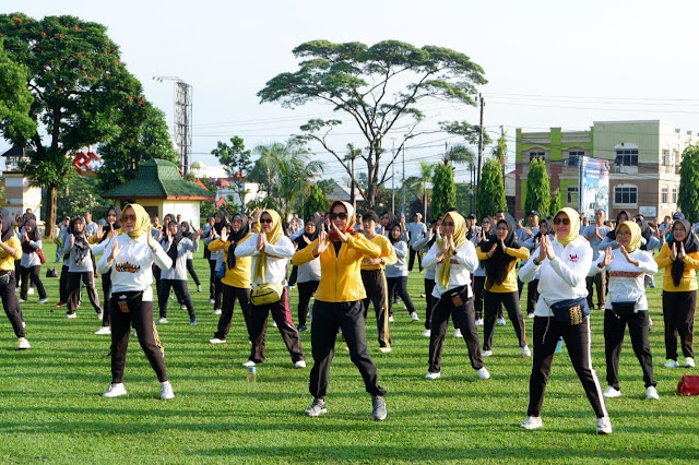 Viral Petang (13/03/2020) BANDARLAMPUNG ----- Ketua Tim Penggerak PKK Provinsi Lampung Ibu Riana Sari Arinal siap mengagendakan road show Senam Lampung Berjaya ke Organisasi Perangkat Daerah (OPD) dan sekolah sekolah, menyusul kian populernya senam tersebut di masyarakat.