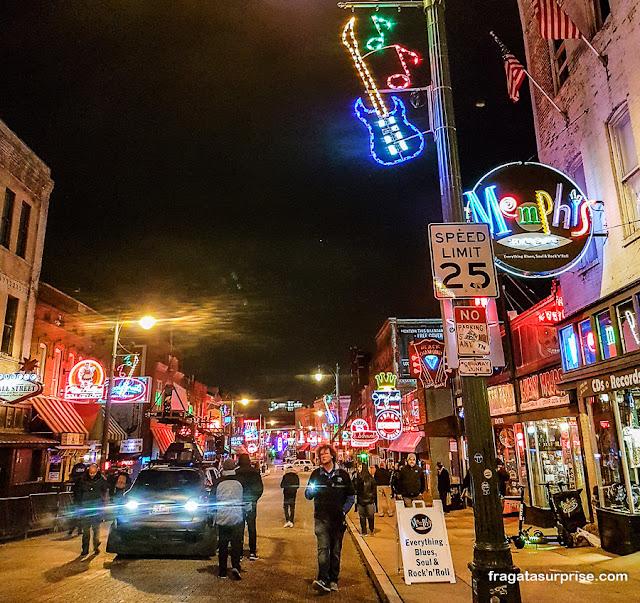 Beale Street, a rua do Blues em Memphis, Tenessi, EUA