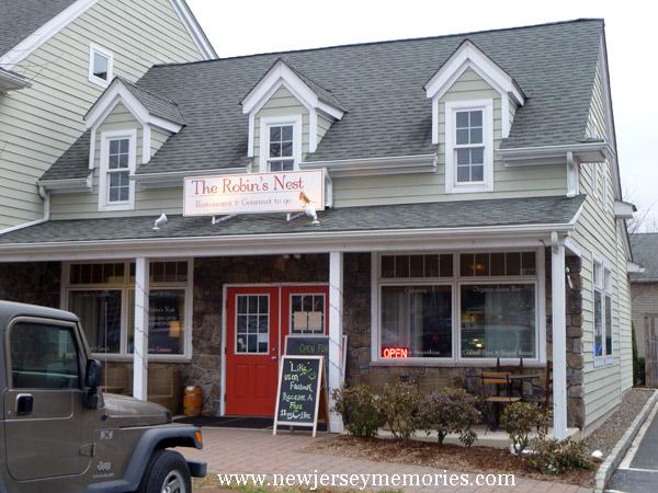 Robin's Nest Restaurant (now closed)