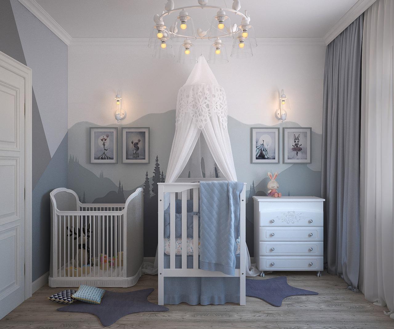 Co kupić przed narodzinami pierwszego dziecka?