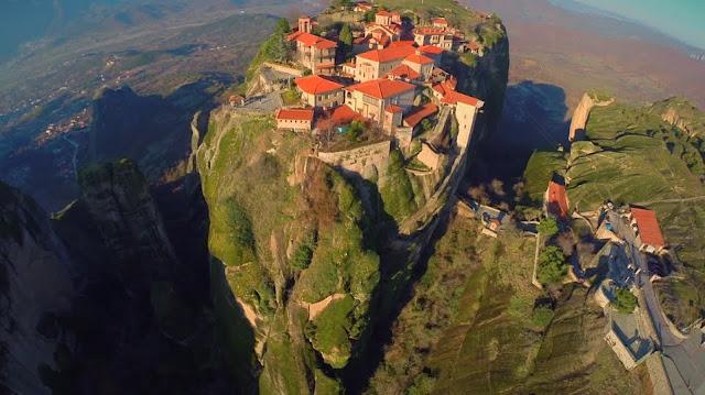 Τα φαντασμαγορικά Μετέωρα από ψηλά (βίντεο drone)
