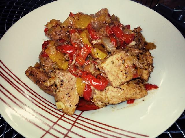 schab duszony z papryka i brzoskwiniami schab duszony na patelni schab duszony z warzywami schab na slodko ostro schab z owocami schab z patelni