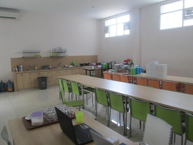 Ruang makan KRTC Bandung