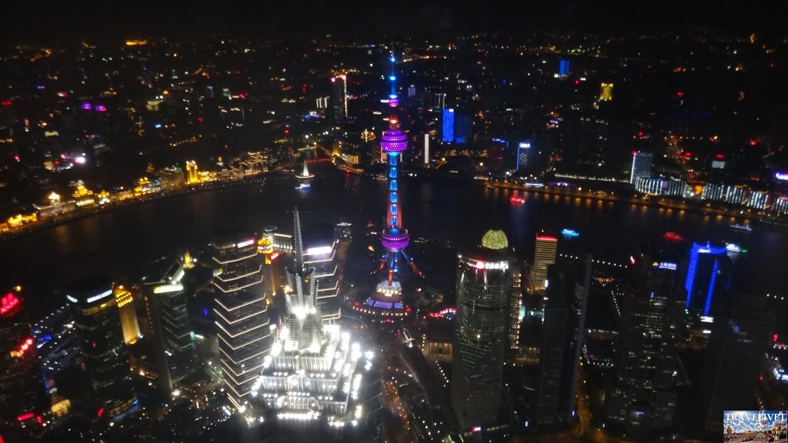 Chine China Shanghai  nuit Shanghai Wolrd Financial Center