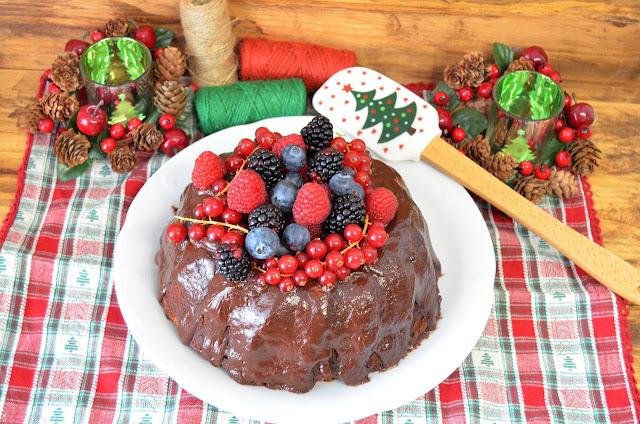 pastel de chocolate, pastel de chocolate al horno, pastel de chocolate casero, pastel de chocolate con frutos rojos, pastel de chocolate esponjoso, pastel de chocolate fácil, pastel de chocolate receta, las delicias de mayte,
