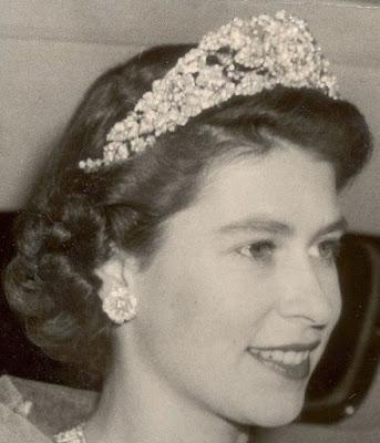 nizam of hyderabad tiara queen elizabeth united kingdom cartier diamond rose