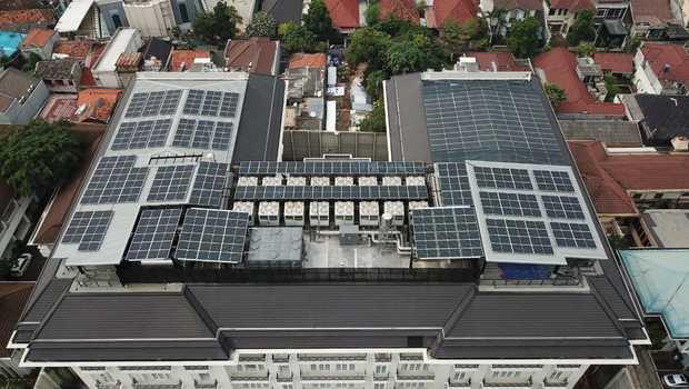 Perusahaan Data Center Mulai Melirik PLTS Atap