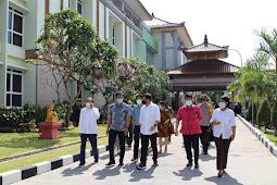 Septian Hario Seto dan Boyke Baja Sirait Kunjungi RS Bali Mandara Denpasar