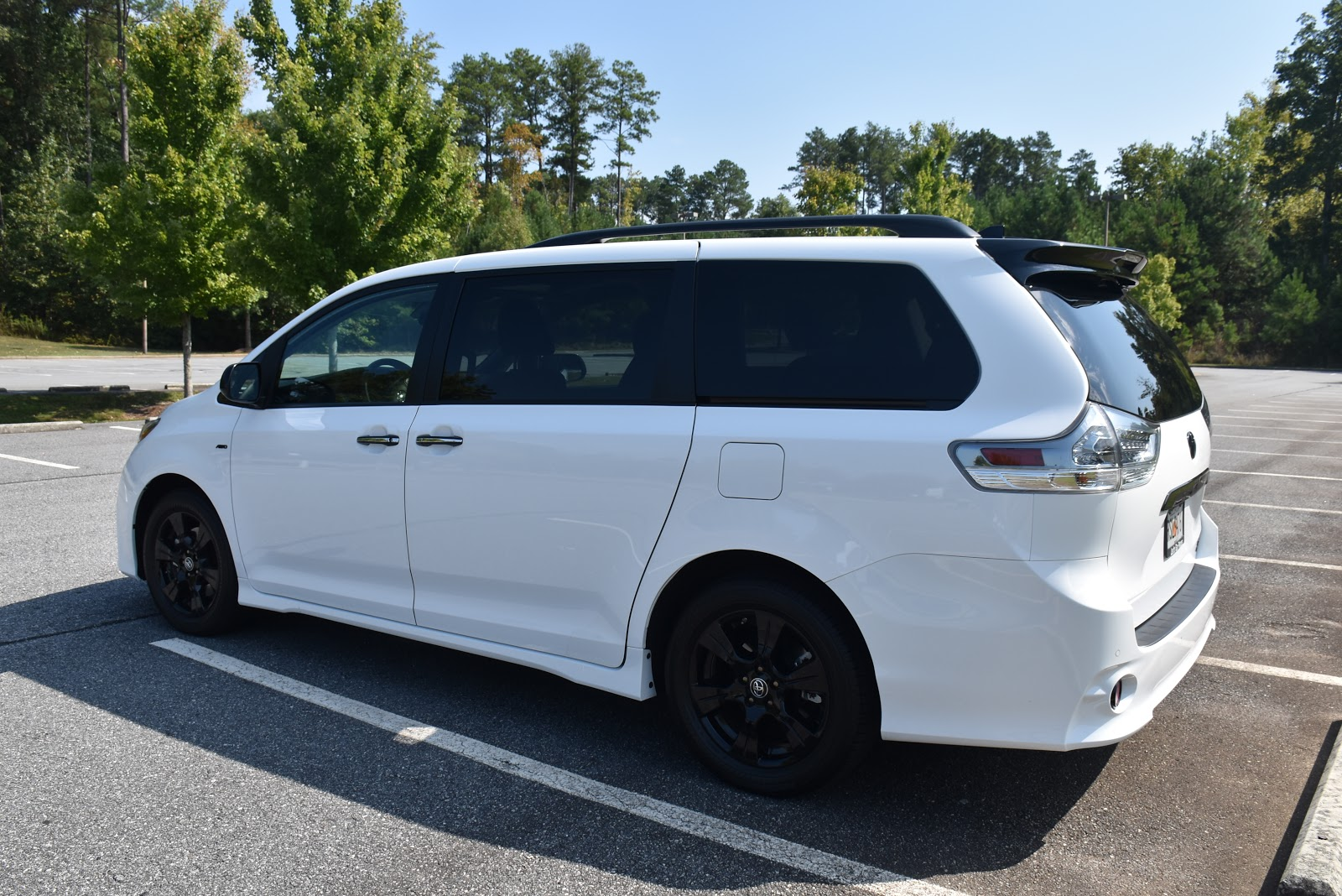 The Sporty Van: Top 6 Things I Loved About the 2020 Toyota Sienna SE