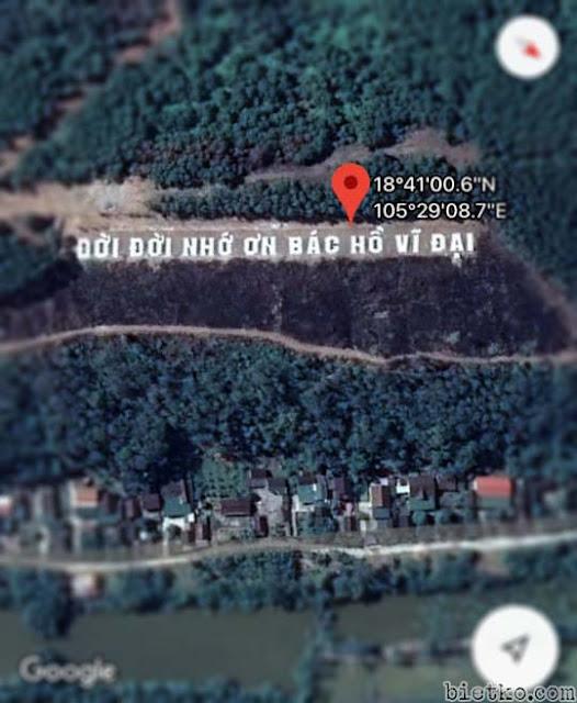 dòng chữ ĐỜI ĐỜI NHỚ ƠN BÁC HỒ VĨ ĐẠI khổng lồ trên bản đồ google- maps