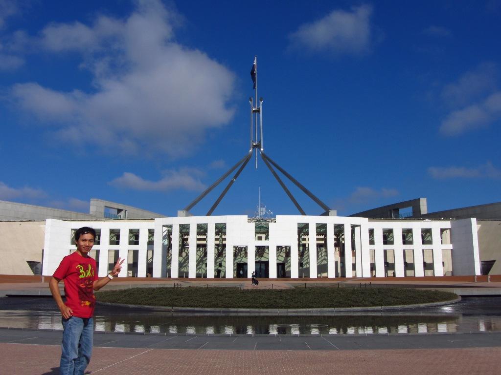 Let S Go Around The World Canberra Ibu Kota Australia