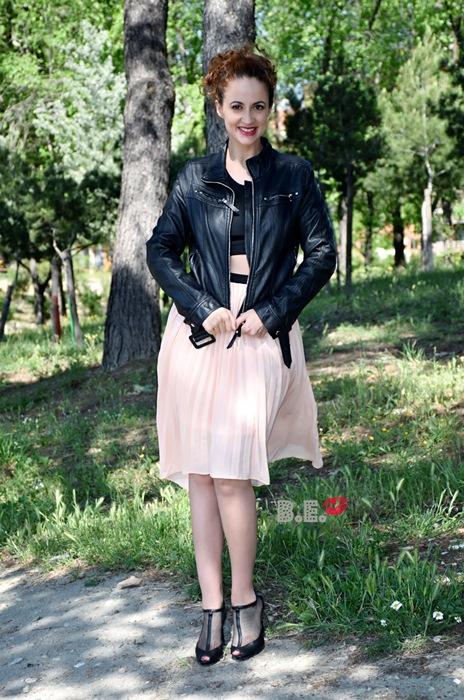 outfit-vestido-rosa-asimetrico-3