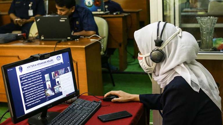 pengaruh dampak pembelajaran online
