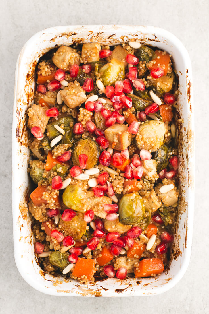 Festive vegan roast - Vegetables and baked tofu with quinoa, a vibrant and quite simple dish, ideal for special occasions or to give us a tribute.