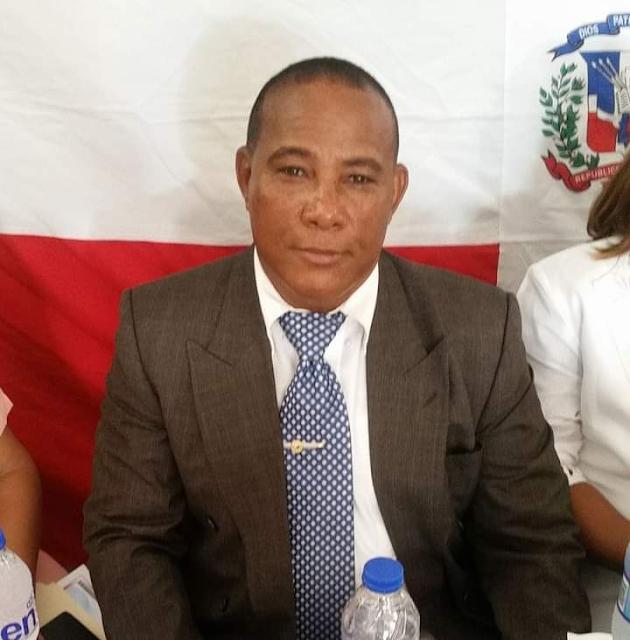 Seccional Barahona del CDP condena amenaza de choferes de Las Salinas a periodista