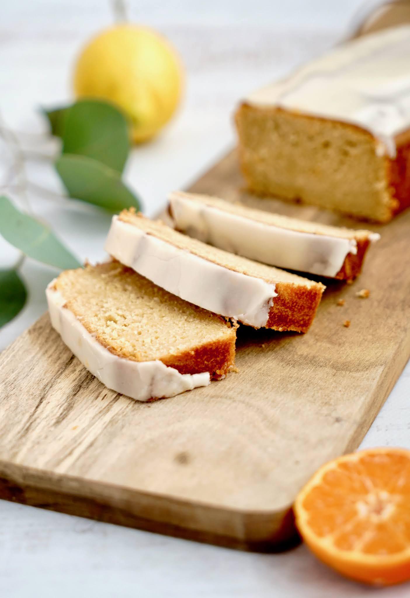 cake agrumes , poudre de noisettes , clementines