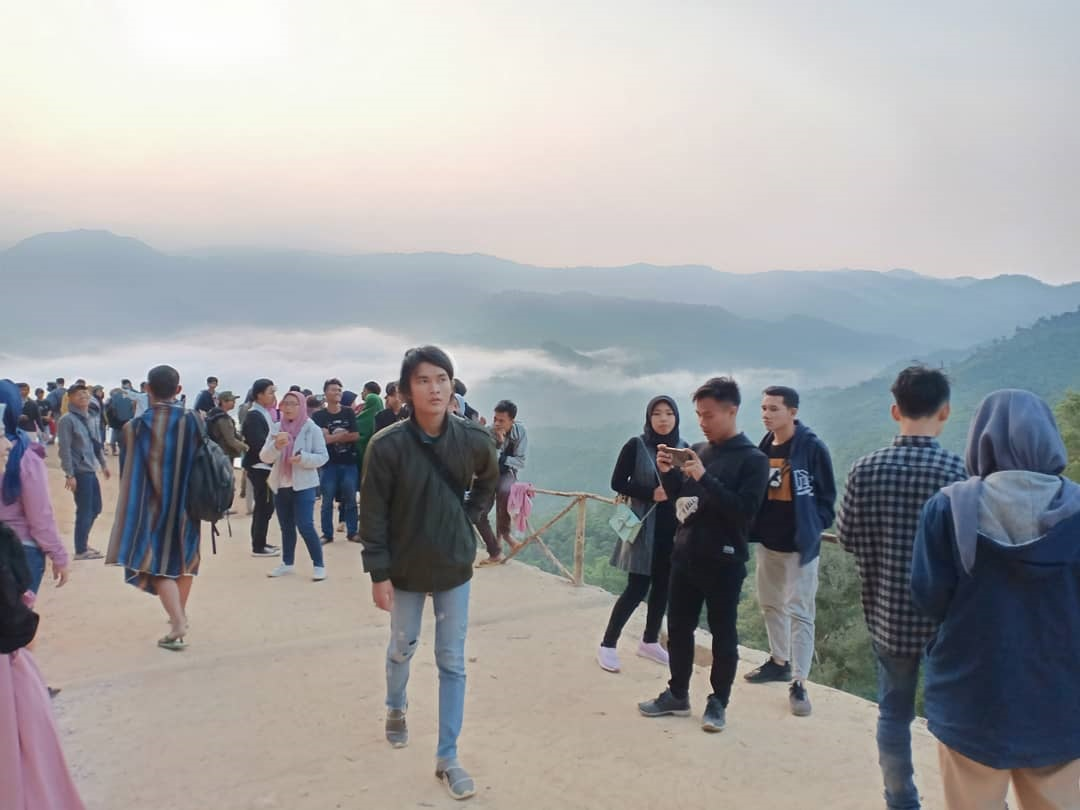 Keindahan Wisata Negeri Diatas Awan Citorek Lebak Banten