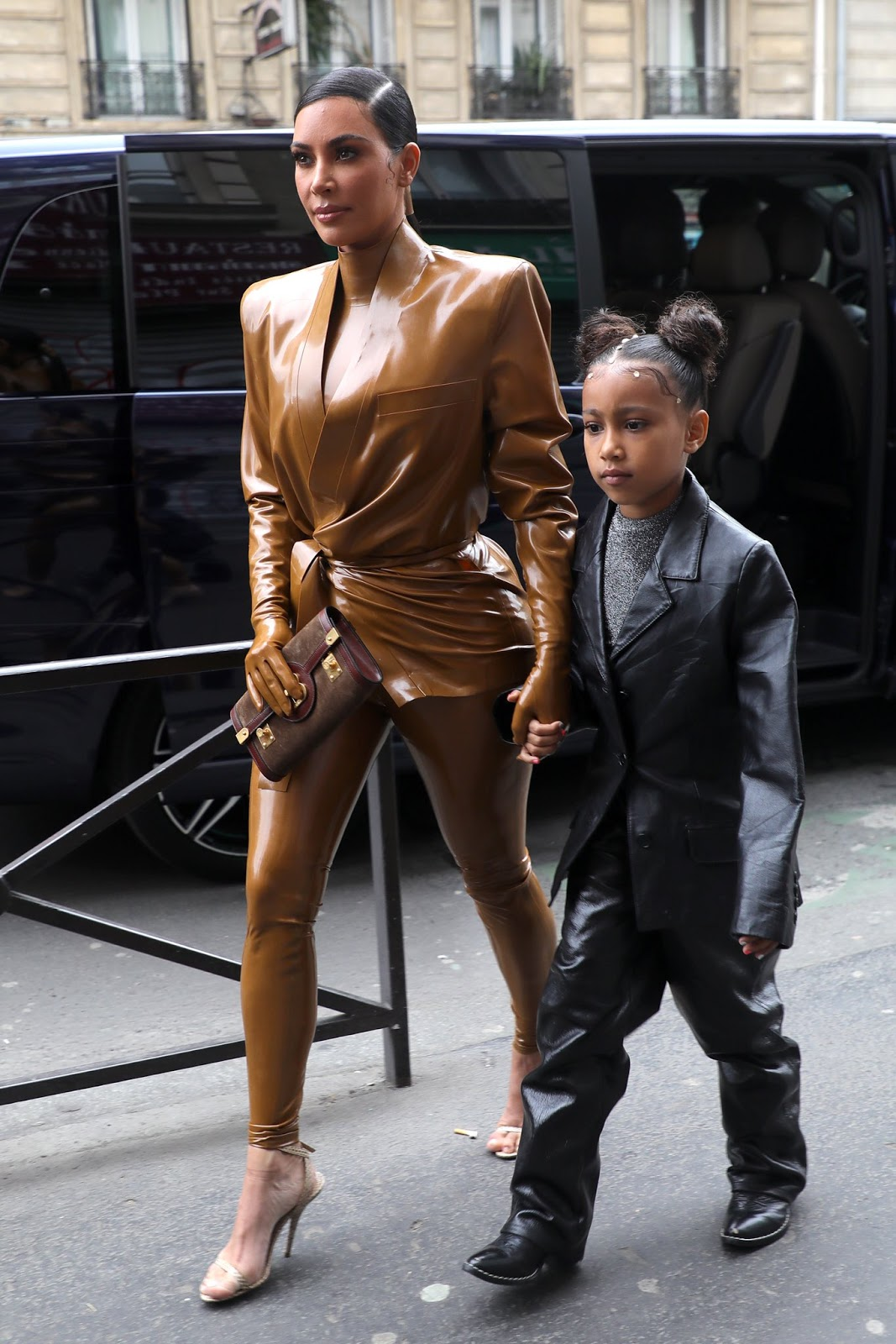Kim cut a stylish figure as she arrived to the venue with her daughter North