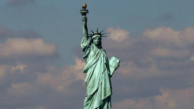 Inilah Wanita yang Disimbolkan Sebagai Patung Liberty di Amerika