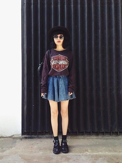 denim skirt grunge