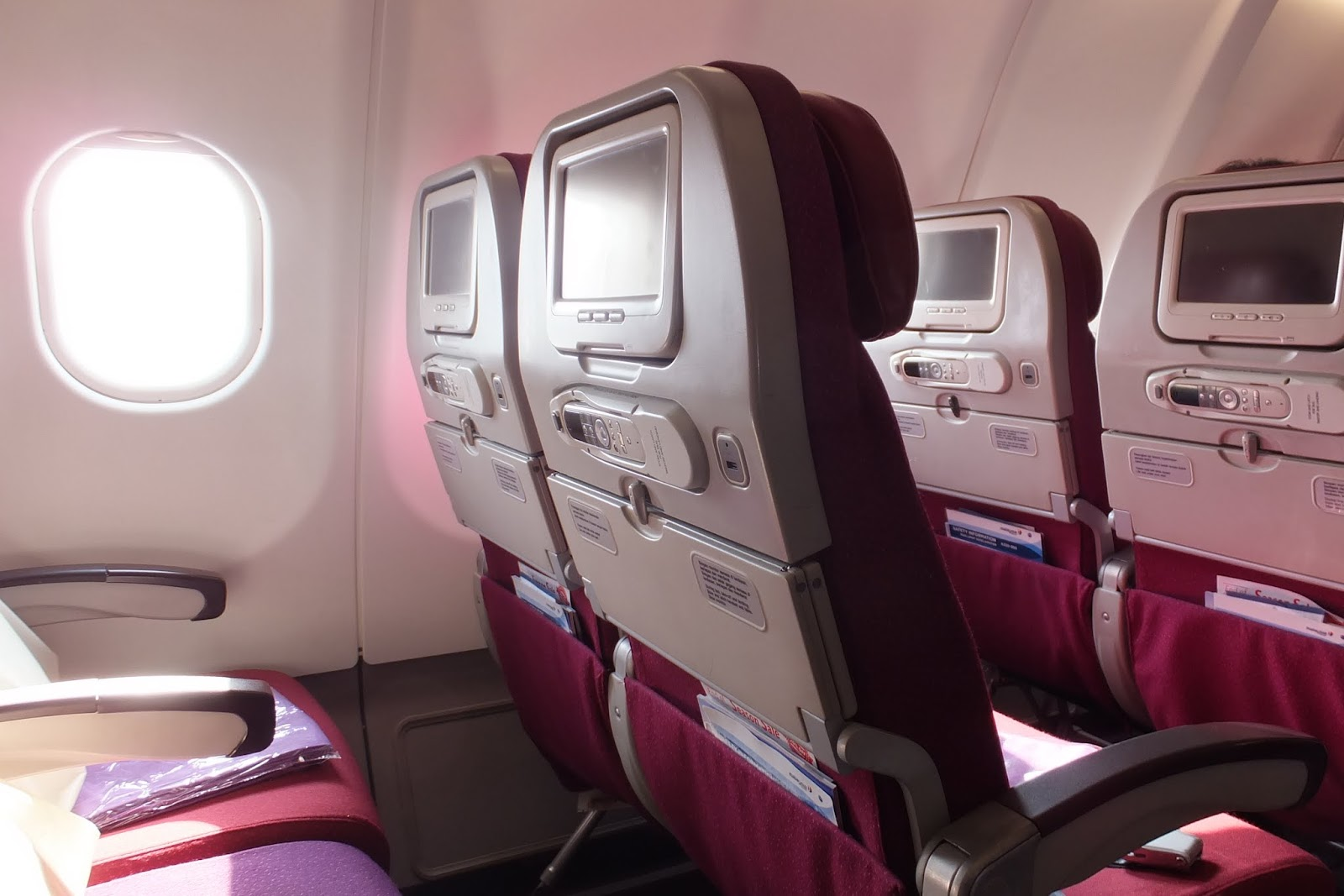 マレーシア航空エコノミー座席 malaysia-arlines-seat-window-side