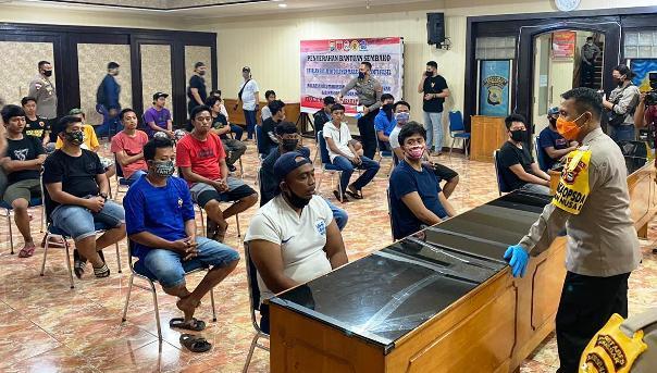 Polda Sulsel Sudah Tetapkan 8 Tersangka Ambil Paksa Jenazah Terduga PDP COVID-19 Di Makassar