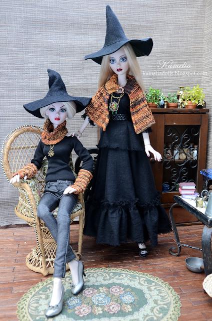 Evangeline Ghastly Halloween costumes dolls