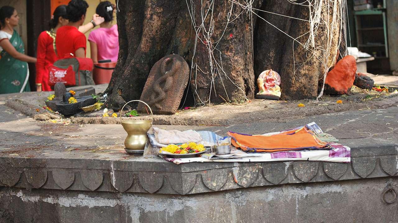 त्रंबकेश्वर मंदिरा बाहेरील परिसर