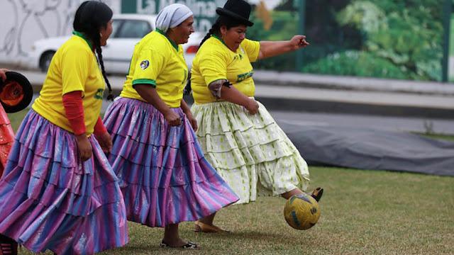 Científicos revelan por qué es peligroso para las mujeres jugar al fútbol