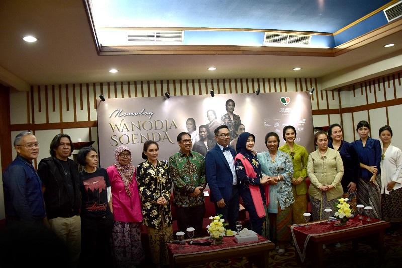 Kang Emil Apresiasi Wanodja Soenda : Monolog Yang Bangkitkan Semangat Perjuangan dan Eksistensi Perempuan