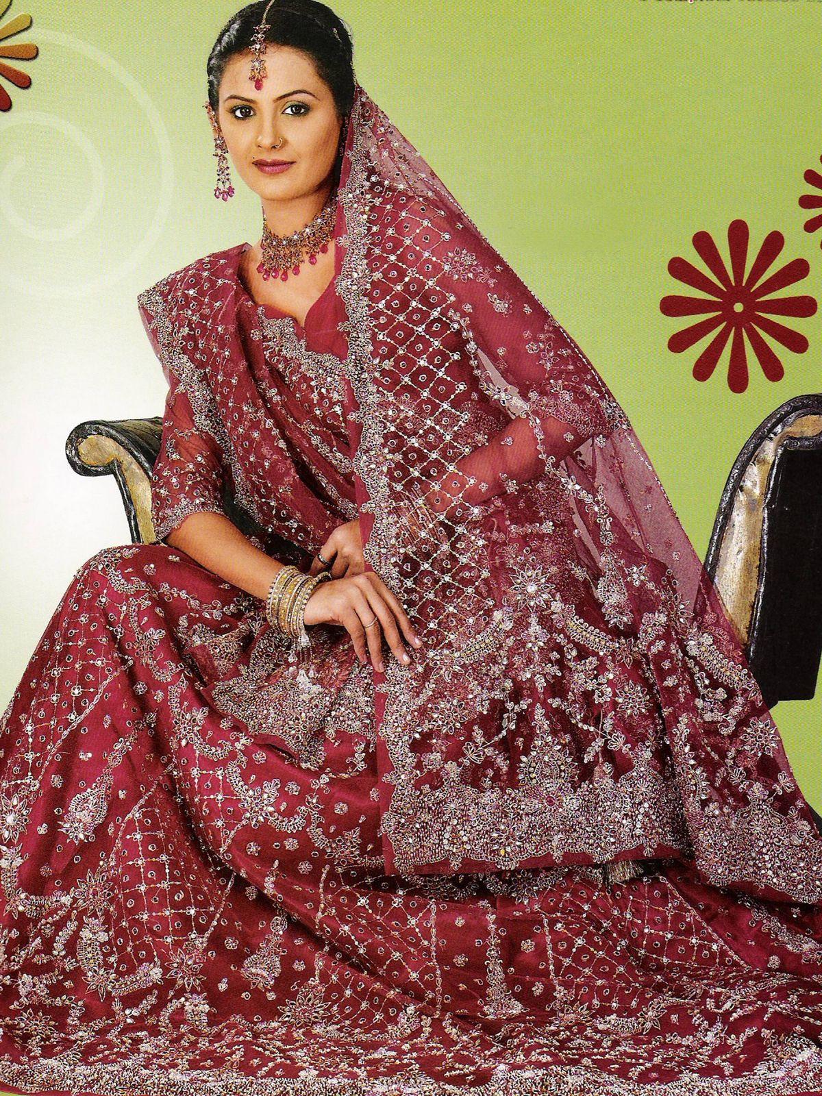 Indian Bridal Dresses   MEHNDI-DISIGNS