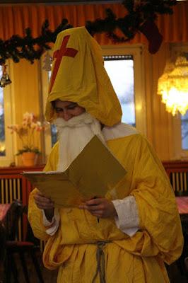 Nikolaus mit goldenem Buch