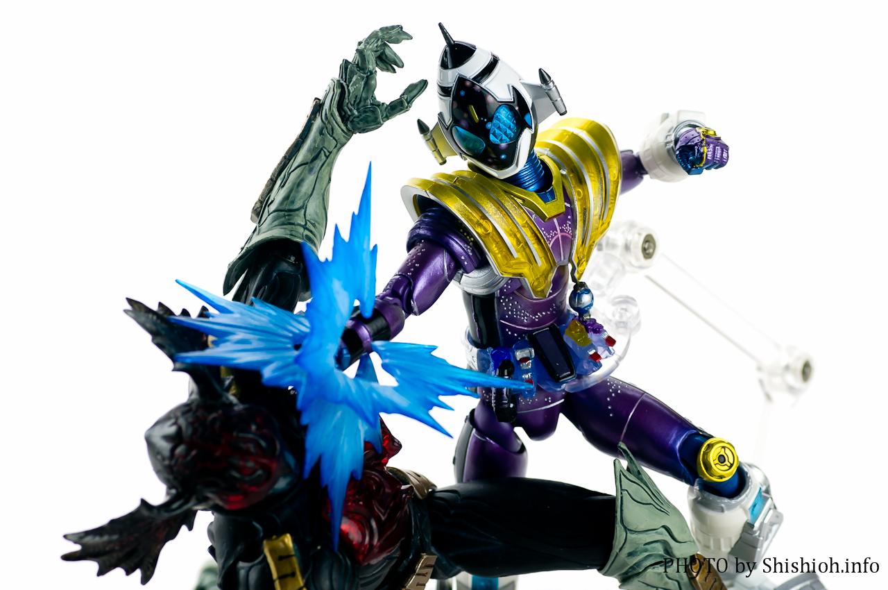 S.H. FiguArts Kamen Rider Fourze Meteor Nadeshiko Fusion ...