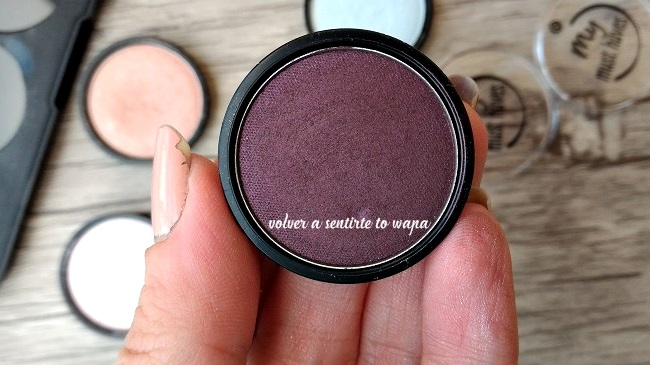 Swatches Review - Essence my must haves Eyeshadow - sombra de ojos 18 black as a berry