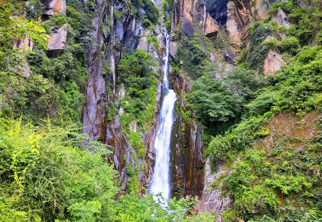 Jogini Waterfall Manali