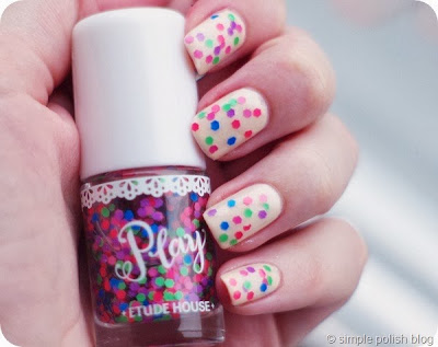 http://simplepolishblog5b.blogspot.de/2013/12/topper-time-etude-houseplay-116.html