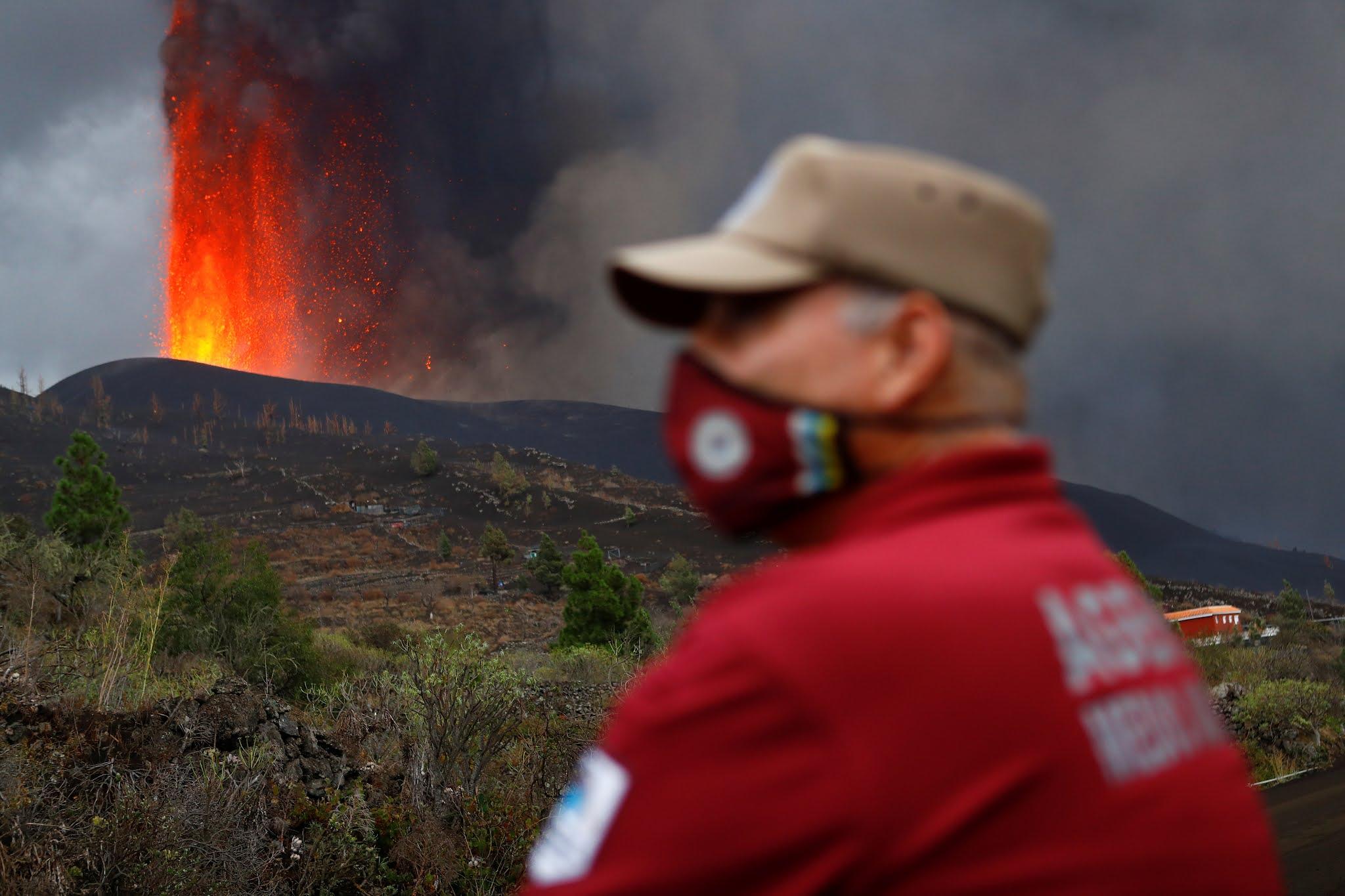 VIDEO Volcán de La Palma en erupción