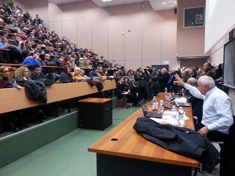 Fatti al cubo assemblea all 39 unical quattrocento persone for Interno unical