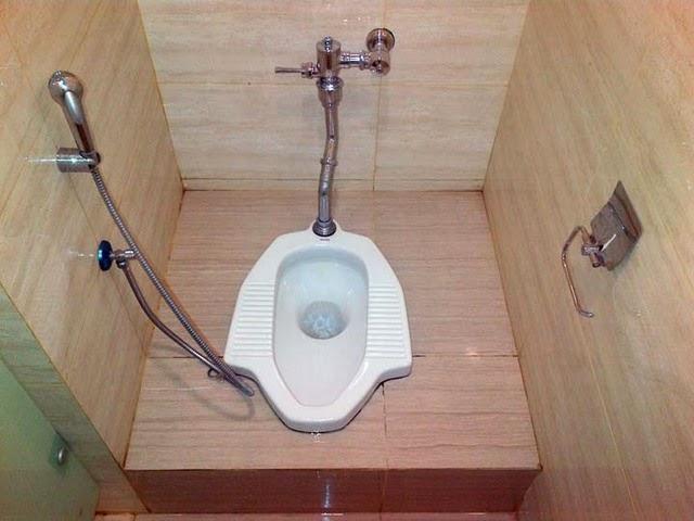 Hasil gambar untuk WC penuh