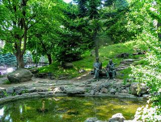 Ужгород. Пам'ятник Альберту Ерделі та Йосипу Бокшаю
