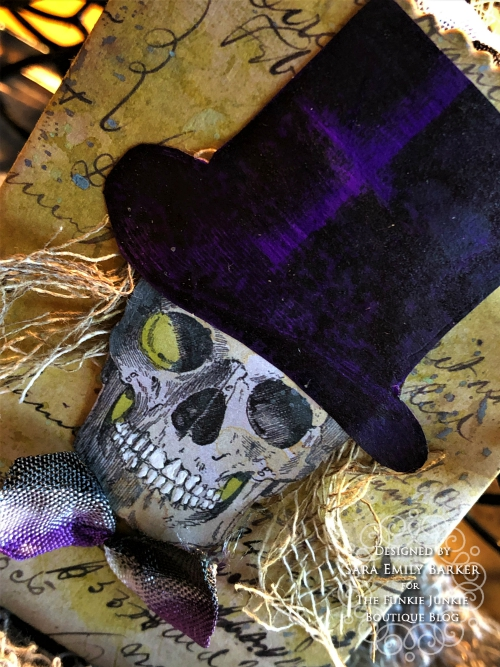 Sara  Emily Barker https://sarascloset1.blogspot.com/2019/09/halloween-treat-bags-for-funkie-junkie.html Tim Holtz Halloween Treat Bags  18