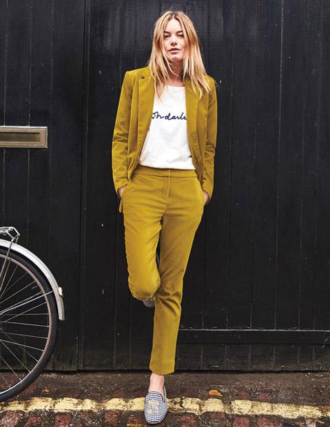 Желтый вельветовый брючный костюм