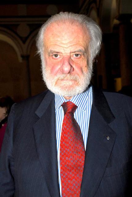 Pierluigi Baima Bollone, professor de Medicina Legal na Universidade de Turim