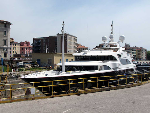 Superyacht Sunday, small dry dock, Livorno