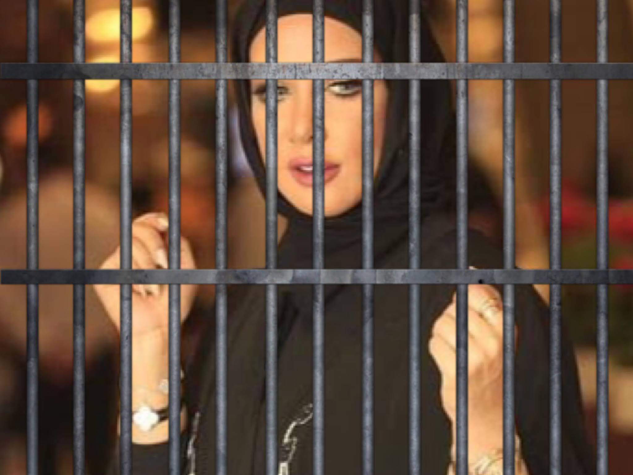 حبس الفاشنيستا الكويتية جمال النجادة لمدة عام وهذا هو السبب..