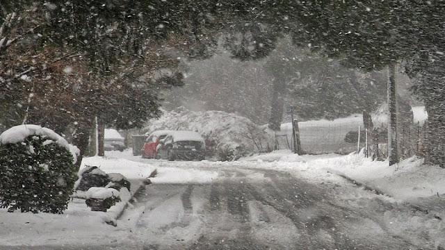 ΕΜΥ: Πρωτοφανής για τα δεδομένα των τελευταίων 40 ετών η χιονόπτωση