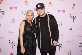 Rob Kardashian Blasts Black Chyna, says she is a hoe, she is broke and he pays all her bills